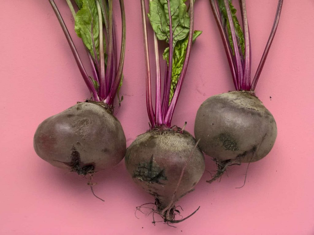 6 Health Benefits of Beetroot Powder (And How To Choose A Good One)