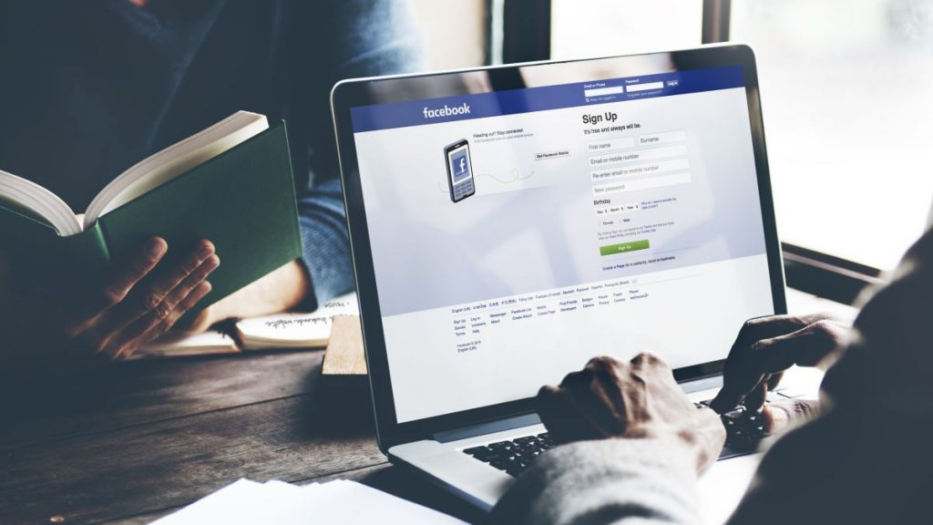 It's Time to Switch to a Dummy Email Address on Facebook