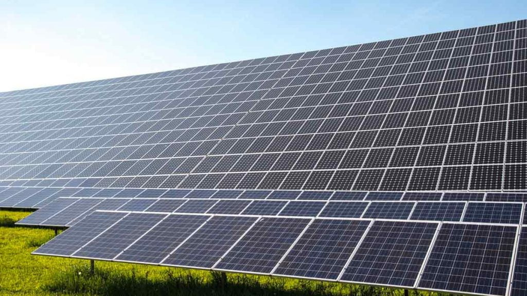 4 Renewable Energy Stocks To Consider Buying Right Now