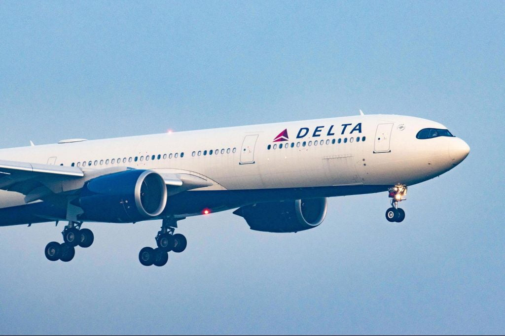 Delta Air Lines CEO: New hires must be vaccinated for COVID-19