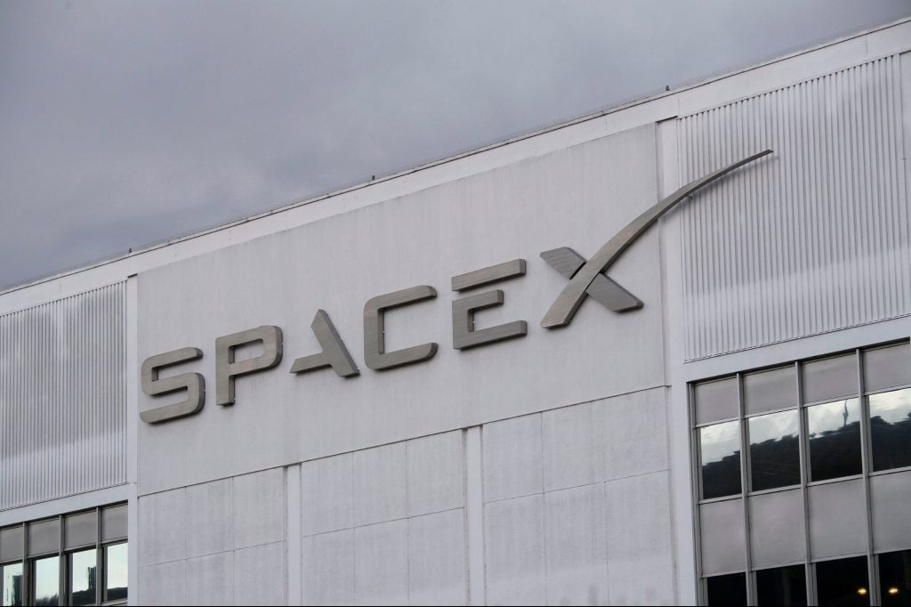 Elon Musk Confirms Ocean Launchpad, Makes Historic Deal to Send Humans Into Space