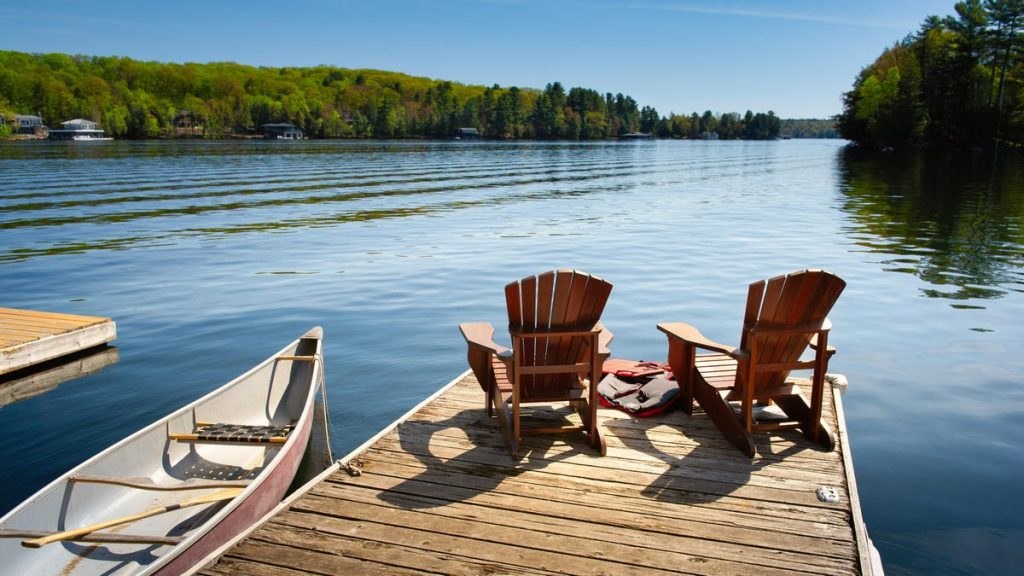 How to Win a $4,000 Travel Stipend to Rent a Lake House This Summer