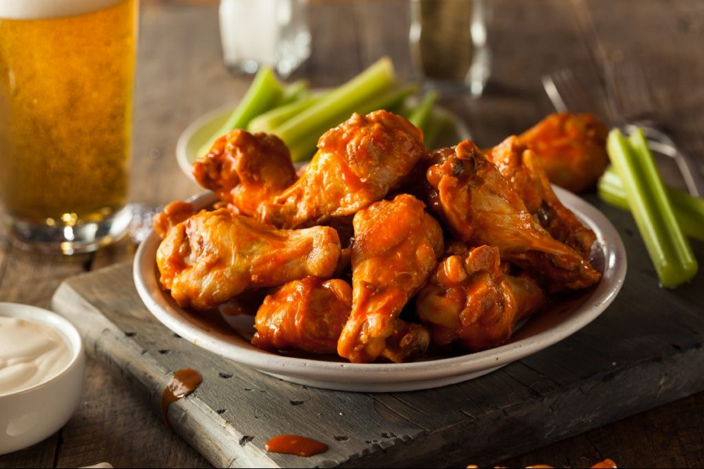 There is a global shortage of chicken wings and thus affects customers, sellers and restaurateurs