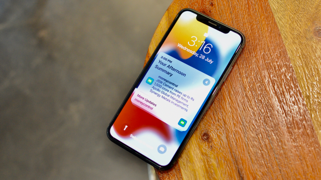 Avoid Unnecessary Distractions in iOS 15 With 'Notification Summary'