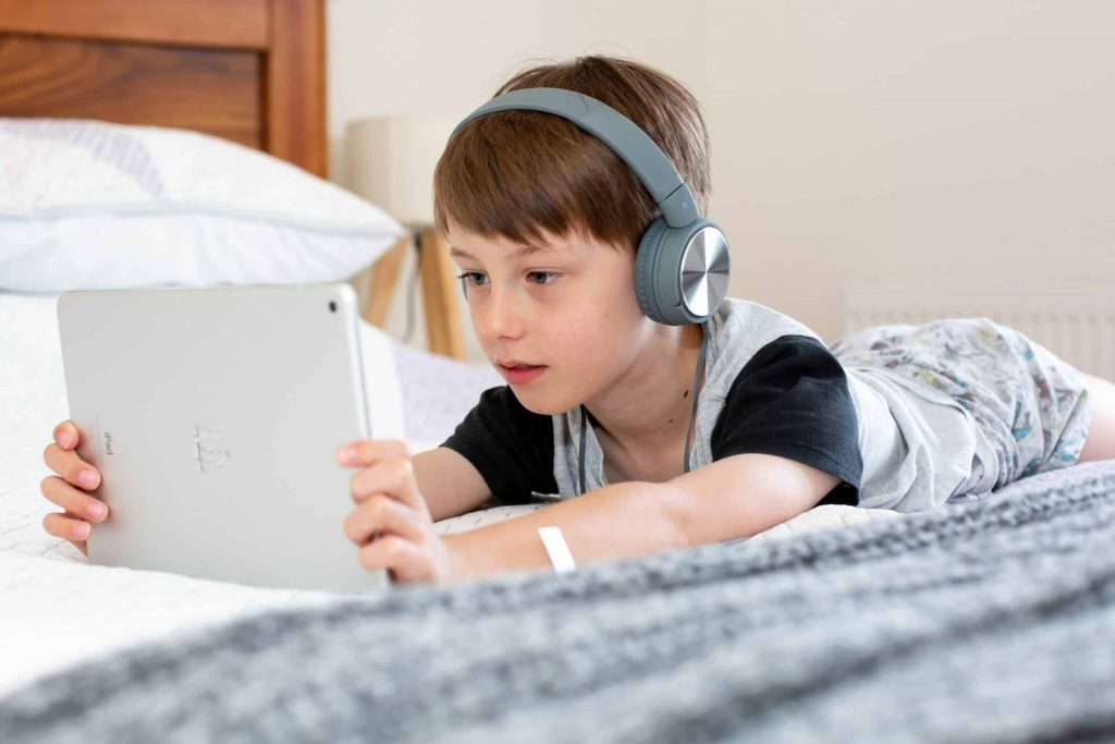 10 Best Podcasts For Kids to Enjoy While Learning at the Same Time