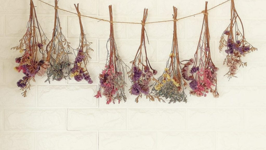 How to Air Dry Fresh Flowers to Decorate With