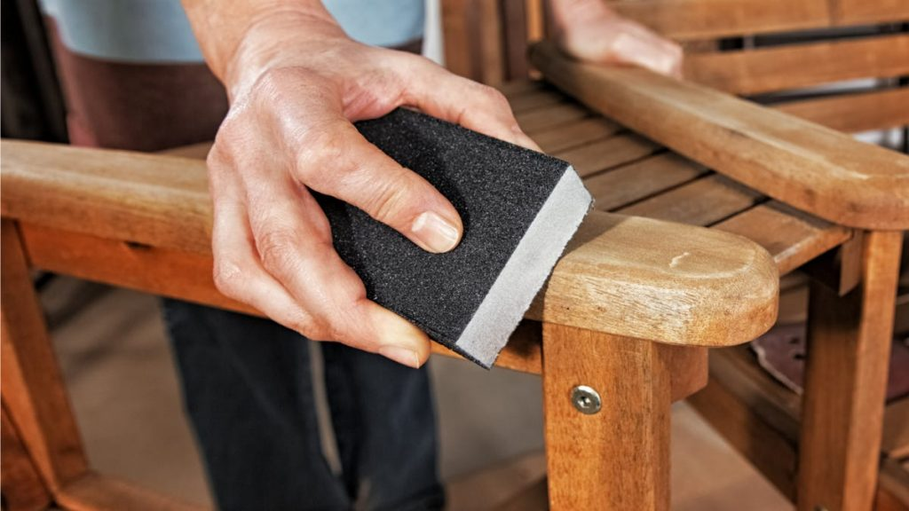 How to Keep Rust and Splinters From Ruining Your Outdoor Furniture