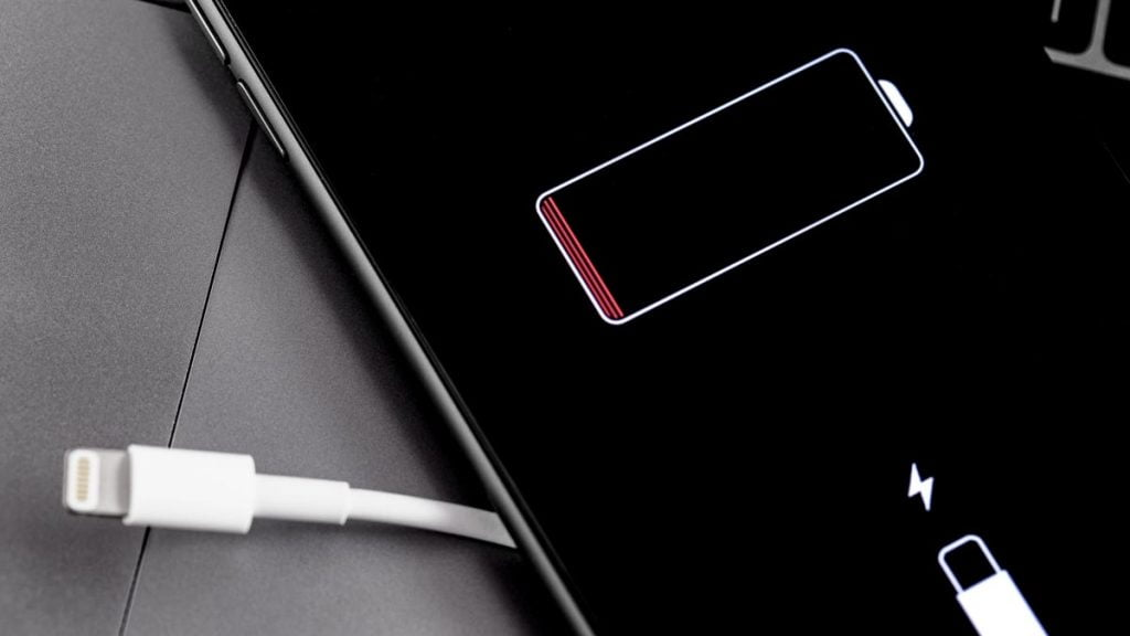 The Best Ways to Save Your Phone Battery When the Power Goes Out